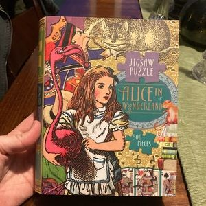 NWT Alice in Wonderland Jigsaw puzzle never opened